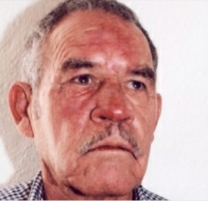 HAS VISTO A...? MANUEL DE HOYOS CASTAÑO