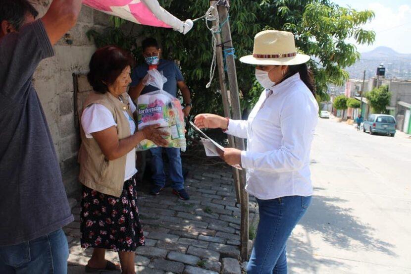 APOYA XÓCHITL FLORES A MEXIQUENSES AFECTADOS  POR PANDEMIA EN LA PAZ Y CHIMALHUACÁN