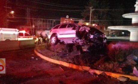 APARATOSO ACCIDENTE EN LA GLORIETA DE CALZADA AL PACÍFICO