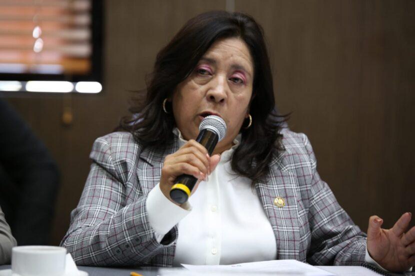 ROSARIO ELIZALDE EXIGE RECORTES A BUROCRACIA ESTATAL