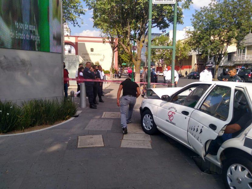 APARATOSO ACCIDENTE EN TOLUCA DEJA UNA MUJER HERIDA
