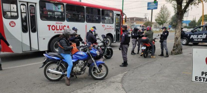 AUTORIDADES DE TOLUCA REMITEN AL CORRALÓN MÁS DE 100 MOTOCICLETAS