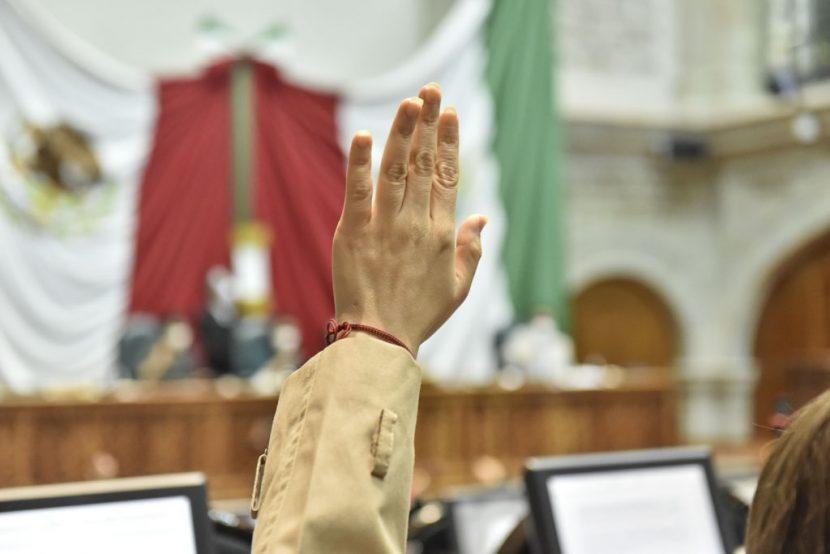 LA 60 LEGISLATURA EXHORTA A LA FGR A INVESTIGAR A MURILLO KARAM