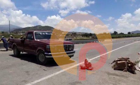 AUTOPISTA TENANGO-IXTAPAN DE LA SAL CUMPLE UNA SEMANA BLOQUEADA
