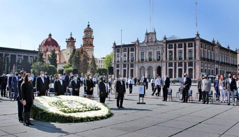 HONRA TOLUCA MEMORIA DE QUIENES PERDIERON BATALLA CONTRA COVID-19