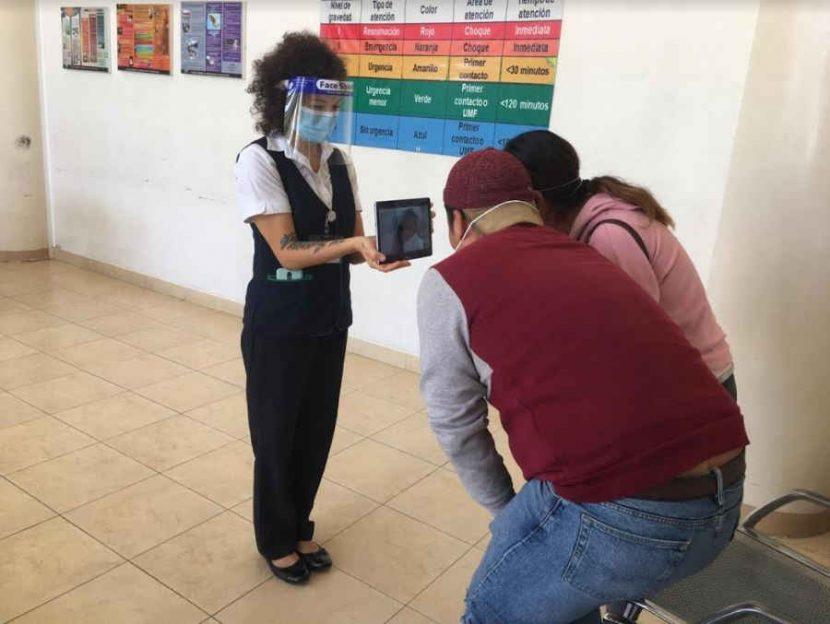 VIDEOLLAMADAS ACERCAN A FAMILIARES Y PACIENTES COVID-19