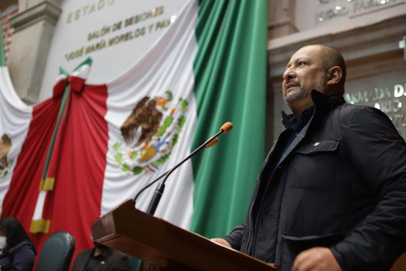 QUE EL GOBERNADOR ACUDA AL CONGRESO A RENDIR SU INFORME DE LABORES: MAX CORREA H.
