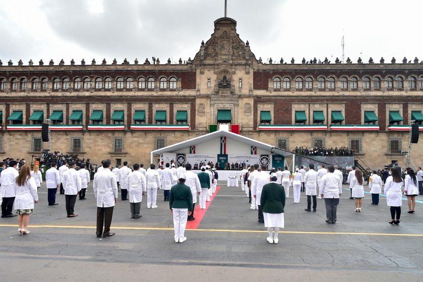 PRESIDENTE RECONOCE LABOR DE PROFESIONALES DE LA SALUD DURANTE PANDEMIA