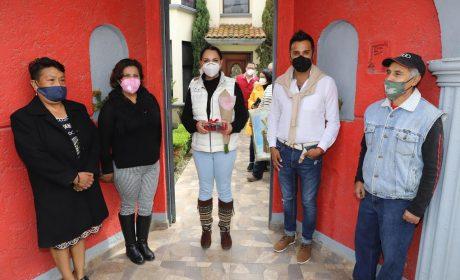 CONVIVE GABY GAMBOA CON VECINOS DE SAN MIGUEL TOTOCUITLAPILCO