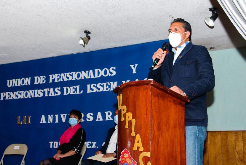 RECONOCE ALCALDE DE TOLUCA LA ENTREGA DE PENSIONADOS Y PENSIONISTAS DEL ISSEMyM