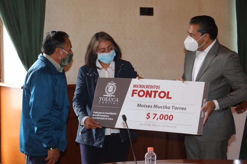 Reciben 260 toluqueños microcréditos FONTOL