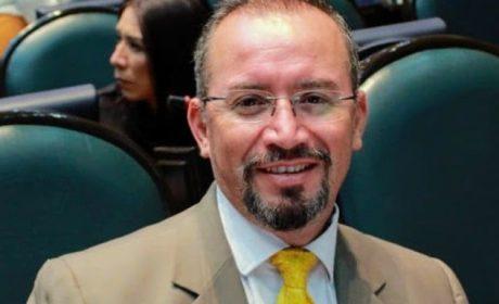 RETROCESO DEMOCRÁTICO, DISMINUIR NÚMERO DE REGIDORES: OMAR ORTEGA