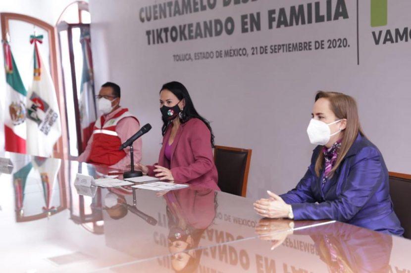 ALEJANDRA DEL MORAL PREMIA A GANADORES DECUÉNTAMELO DESDE CASAYTIKTOKEANDO EN FAMILIA