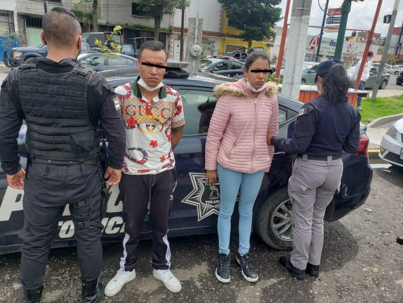 DETIENEN EN SANTA CRUZ AZCAPOTZALTONGO A DOS PRESUNTOS ASALTANTES
