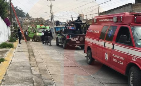 RESCATAN A TRABAJADOR DE MORIR ELECTROCUTADO EN TOLUCA