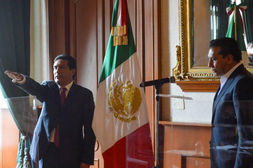 RINDE PROTESTA CARLOS SÁNCHEZ COMO SECRETARIO DEL AYUNTAMIENTO DE TOLUCA