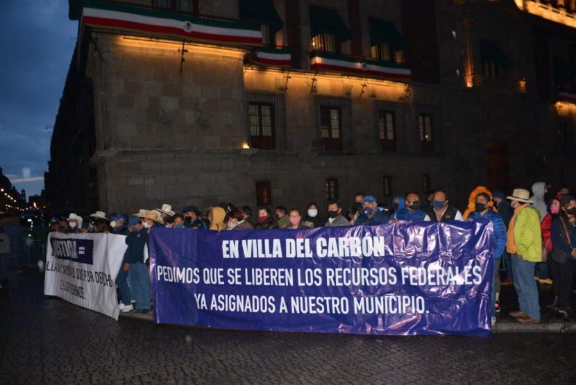 CABILDO DE VILLA DEL CARBÓN PROTESTA EN PALACIO NACIONAL POR RECURSOS YA ASIGNADOS