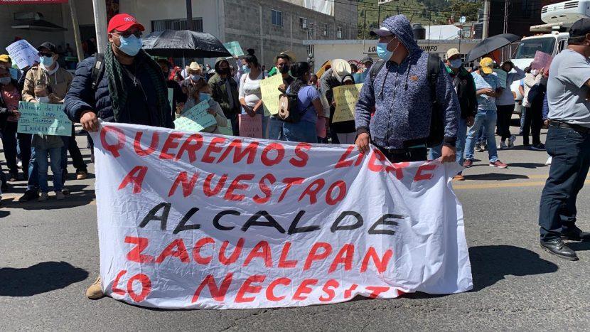 SE MANIFIESTAN AL EXTERIOR DE SANTIAGUITO, PIDEN LIBERACIÓN DE ALCALDE ACUSADO DE ATAQUE ARMADO