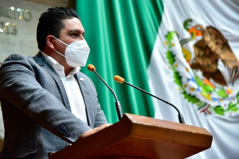 PROPONEN IMPONER MULTAS POR REUNIONES DE MÁS DE 30 PERSONAS