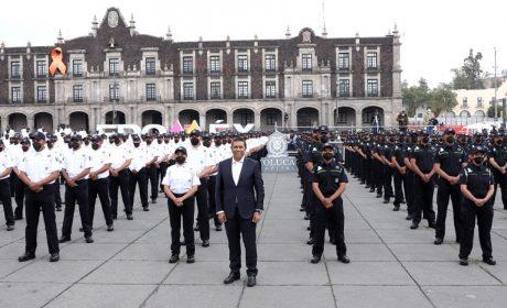 SE GRADÚAN 400 POLICÍAS EN TOLUCA