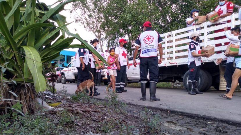 VOLUNTARIOS CRUZ ROJA EDOMEX APOYAN AFECTADOS DE TABASCO