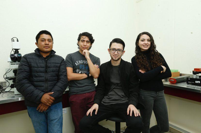 ESTUDIANTES DE LA UAEM GANAN PREMIO SANTANDER