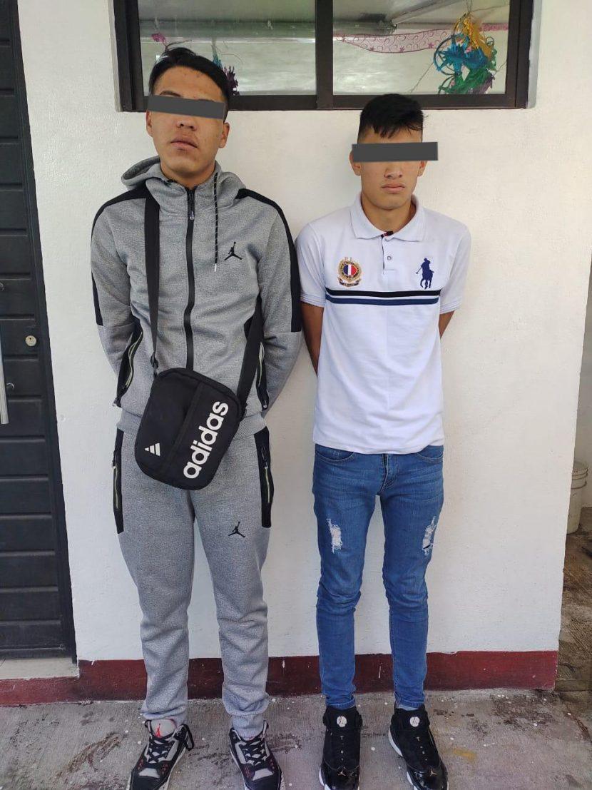 DETIENE POLICÍA DE NAUCALPAN A DOS POR EXTORSIÓN