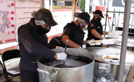 NAUCALPAN REPARTE MÁS DE 4 MIL COMIDAS CALIENTES EN ÉPOCA INVERNAL