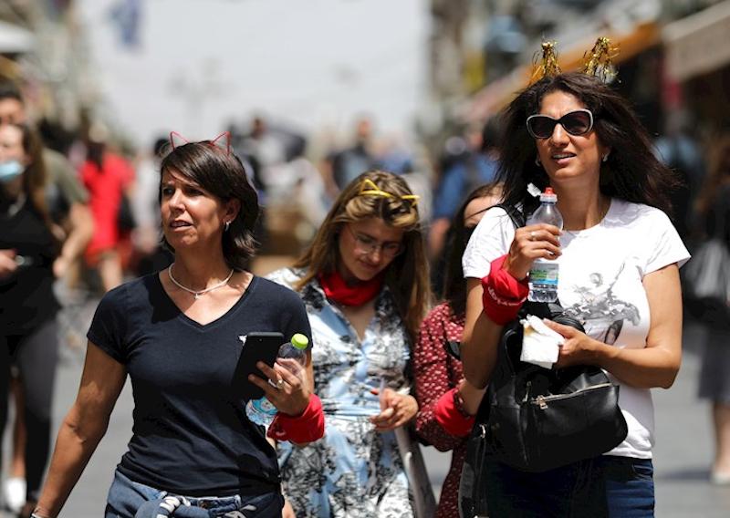 ISRAEL SE QUITA EL CUBREBOCAS TRAS EXITOSA VACUNACIÓN