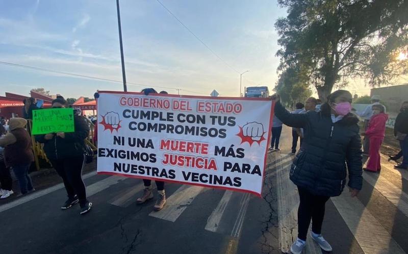 CARRETERA MEXICO-PACHUCA BLOQUEADA POR HABITANTES DE ECATEPEC