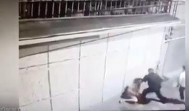 VIOLENTO SUJETO GOLPEA A MUJER EN CALLES DE TOLUCA