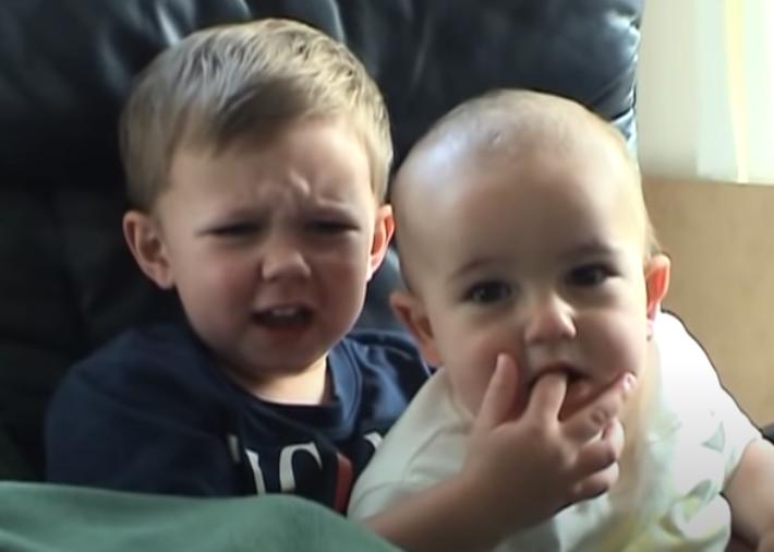 YOUTUBE VENDERÁ «CHARLIE BIT MY FINGER» EL VIDEO MÁS VISTO