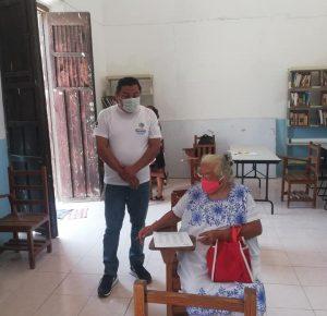 ABUELITA DE 71 AÑOS PRESENTA SU EXAMEN DE PRIMARIA