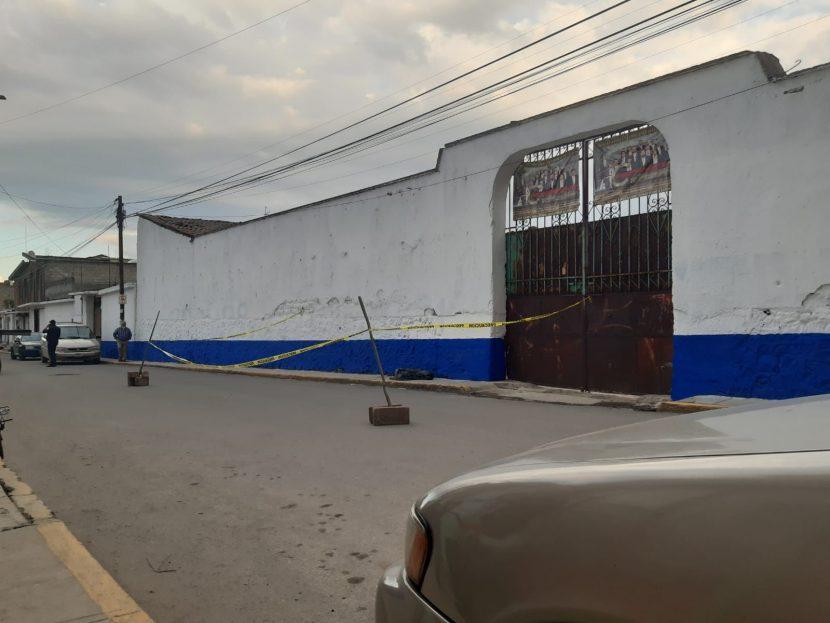 DESENTERRÓ LOS RESTOS DE SU HERMANO EN PANTEÓN DE CALIMAYA