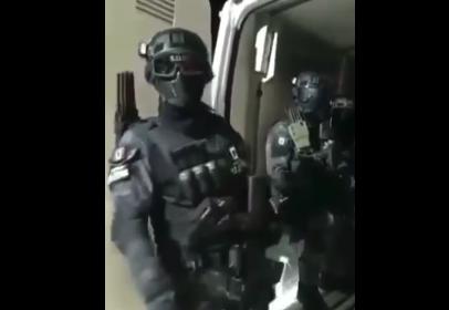 GRUPO ARMADO AMENAZA EN NAUCALPAN AL EXTORSIONADOR «EL 20»
