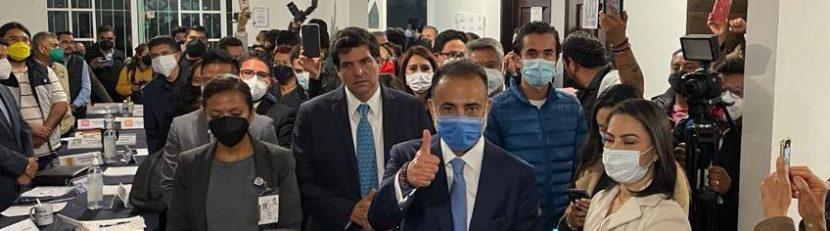 FERNANDO FLORES RECIBIÓ CONSTANCIA COMO ALCALDE ELECTO DE METEPEC