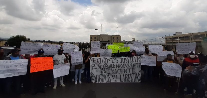 FAMILIA DE ALBAÑIL DETENIDO POR SUPUESTA AGRESIÓN A GN PIDE SEA LIBERADO
