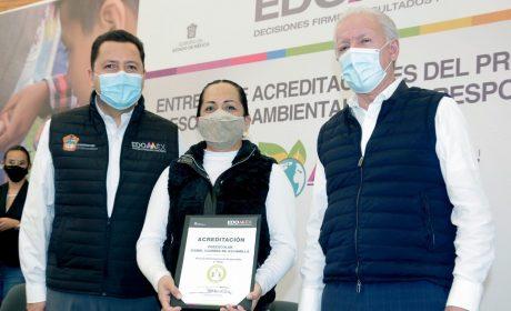 "RECIBEN 120 PLANTELES ACREDITACIÓN COMO ""ESCUELAS AMBIENTALMENTE RESPONSABLES"""