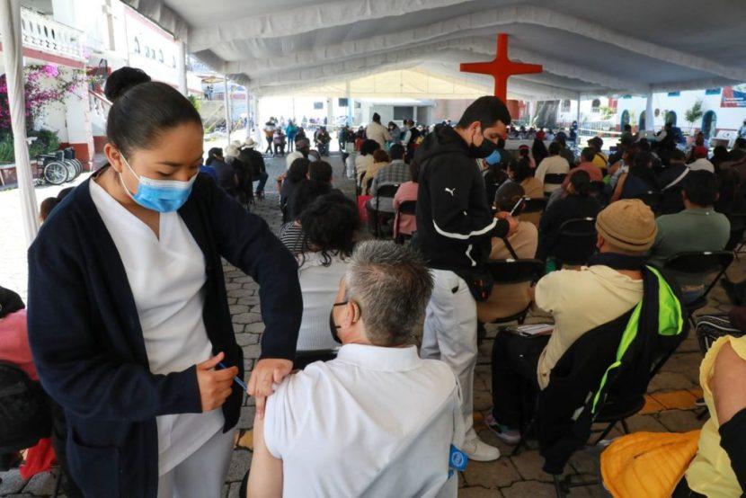 NAUCALPAN APLICA SEGUNDA DOSIS A PERSONAS 50 A 59 AÑOS