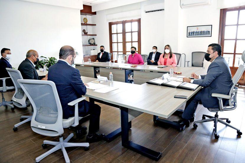 RECIBEN TRES SECUNDARIAS ACUERDO DE VALIDEZ OFICIAL