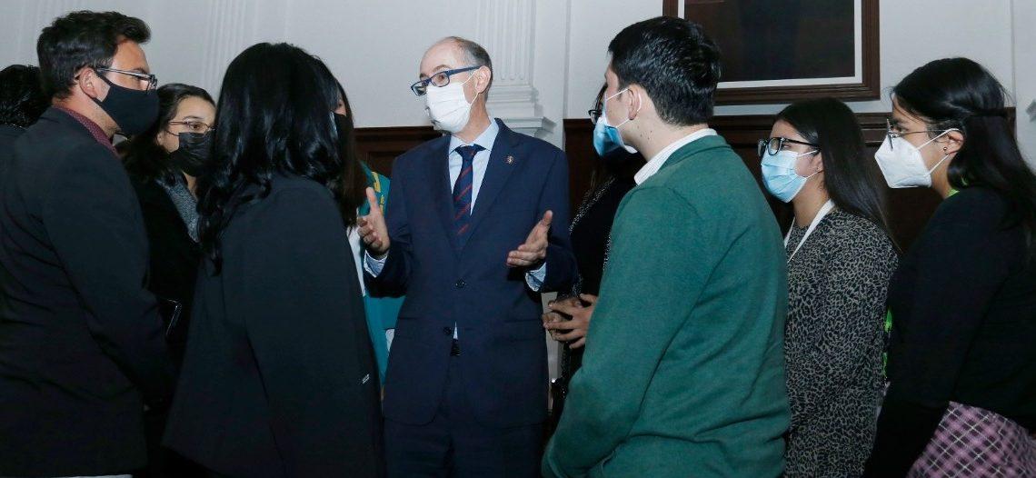 UAEM DISTINGUE CON PRESEAS A UNIVERSITARIOS DESTACADOS