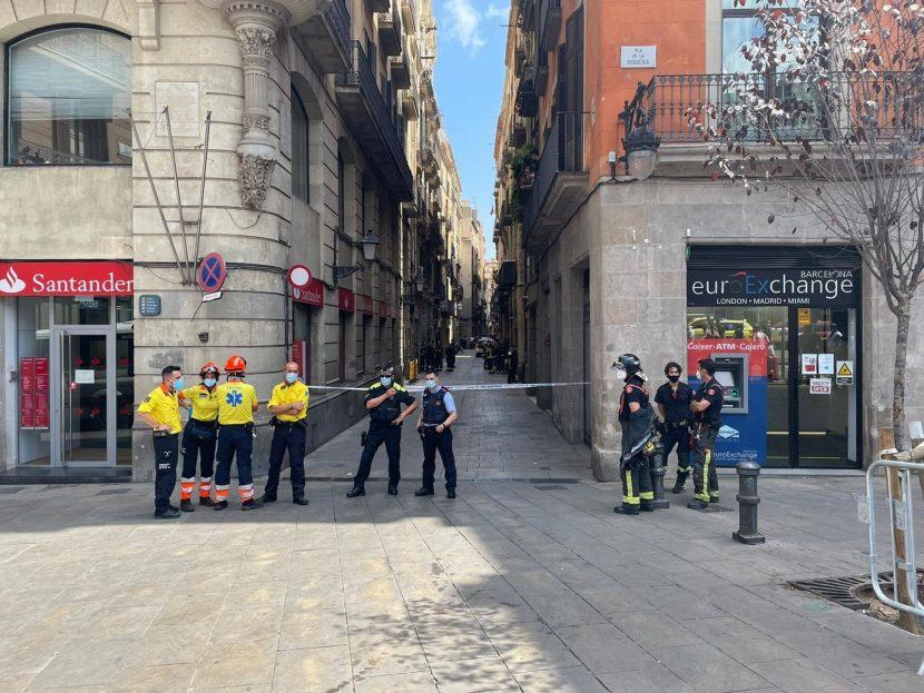 DESALOJAN HOTEL JUNTO A LA RAMBLA DE BARCELONA, TRAS UNA EXPLOSIÓN