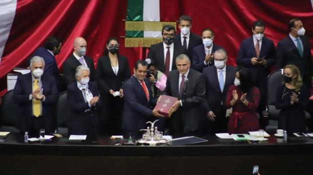 ADÁN AUGUSTO LÓPEZ ENTREGA EL TERCER INFORME DE AMLO