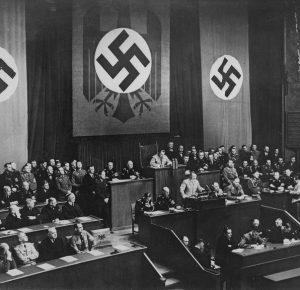 EL 15 DE SEPTIEMBRE DE 1935 COMENZÓ A GESTARSE EL HORROR NAZI