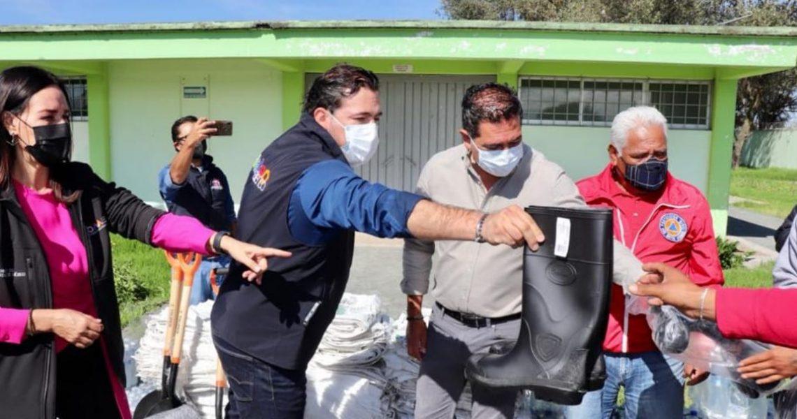 APOYA VOLUNTARIADO DE LA SECRETARÍA DE LA MUJER A DAMNIFICADOS DE SAN MATEO ATENCO