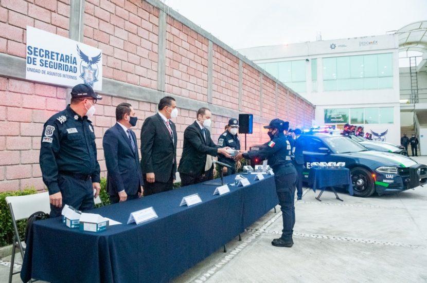 ENTREGA SSEM CÁMARAS CORPORALES A POLICÍAS ESTATALES