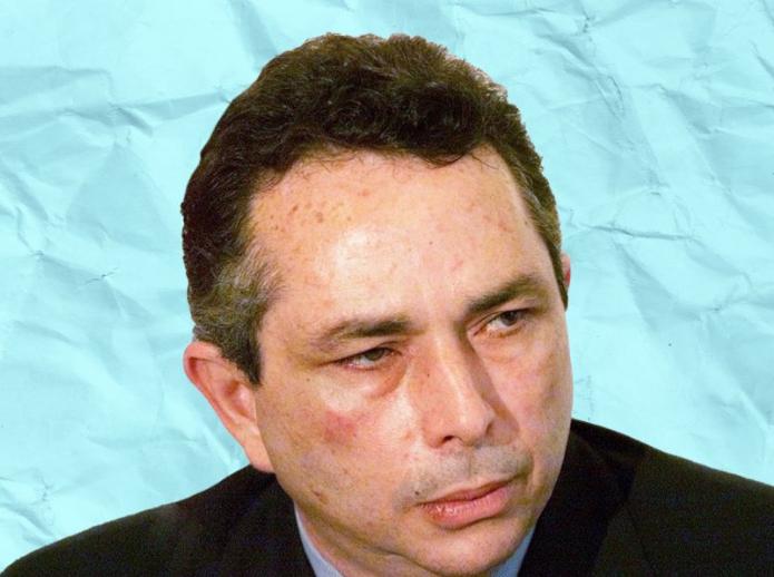 CABAL PENICHE ENTREGA ACCIONES DE RADIÓPOLIS PARA EVITAR LA CÁRCEL